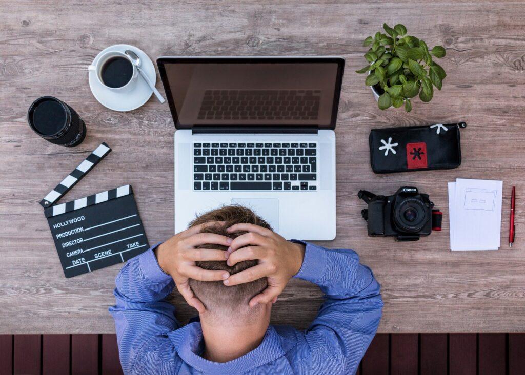Η απρόσεκτη επιλογή σπουδών και επαγγέλματος μπορεί να οδηγήσει σε πρόωρη εργασιακή εξάντληση και αίσθημα προσωπικής ματαίωσης.
