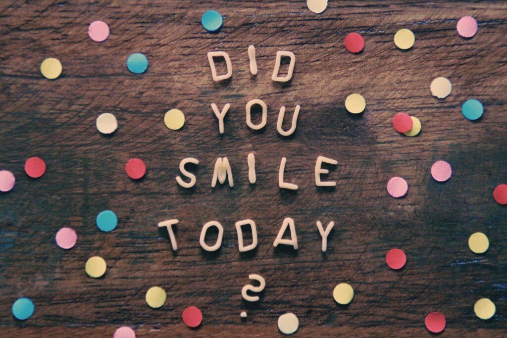 """Παιδιά, γονείς και έφηβοι που χαμογελούν στα... """"χαμηλά και στα ψηλά"""" είναι ο δρόμος προς την αληθινή ευτυχία!"""